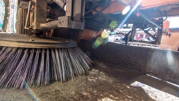 В Самаре закупят 25 спецмашин для уборки улиц