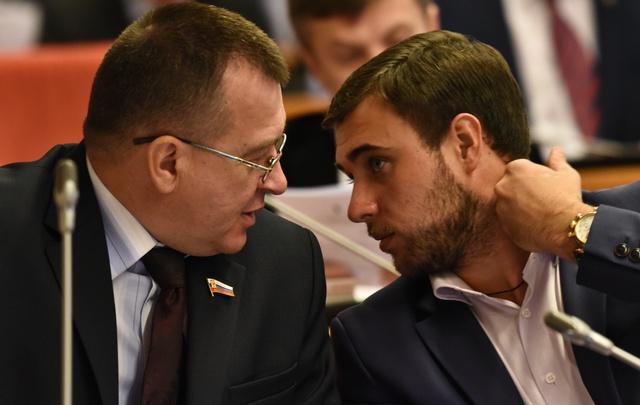 Сто тысяч в месяц: сколько зарабатывают самые бедные ярославские депутаты