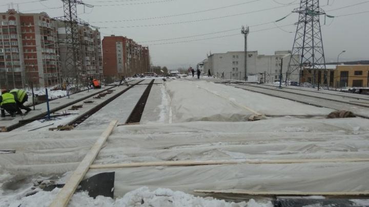 Асфальт на путепроводе на Ташкентской — Демократической начнут укладывать после 23 апреля