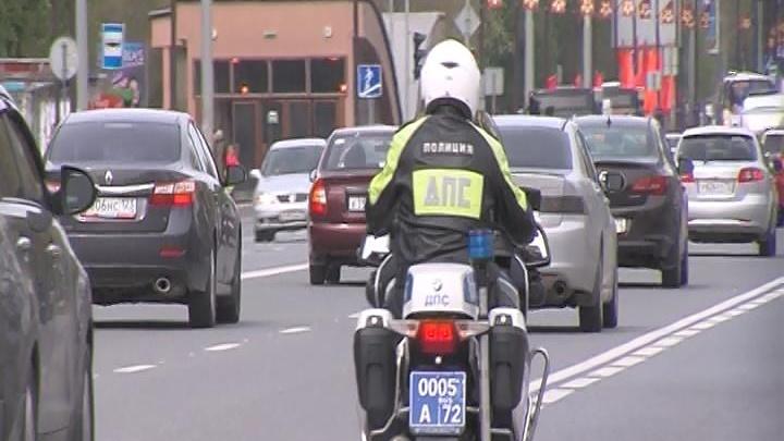 Тюменский байкер, разъезжавший по городу без прав и госномеров, остался без мотоцикла