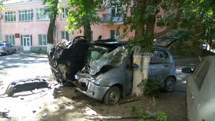 Пьяный ростовчанин перевернулся на «Ниссане» и упал на «Матиз»: есть раненые