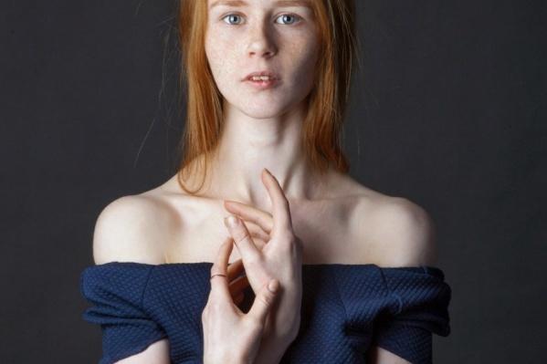 Среди муз фотографа в этом проекте – всего одна северянка Алена Колебакина
