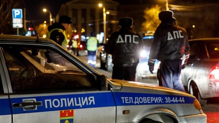 В Волгоградской области пожилой лихач без прав вылетел в кювет