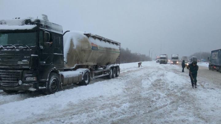 Организаторы поездки автобуса с детьми в снегопад по трассе попали под статью