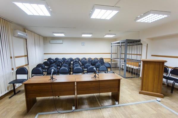 Чиновники согласились устранить нарушения только через суд