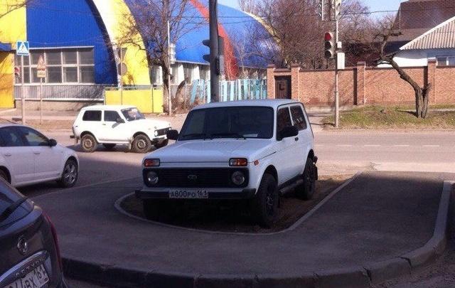 «Паркуюсь как чудак – 3»: фотоподборка 161.ru о ростовском хамстве