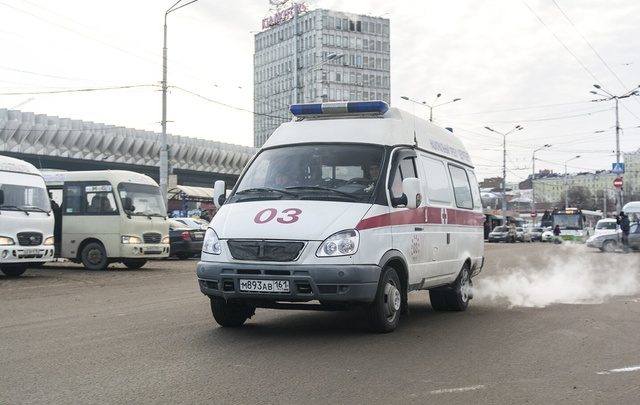 В Ростове пациент скорой помощи с молотком напал на фельдшеров