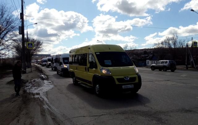 Некоторым маршруткам разрешили ездить в Волгограде еще пять лет