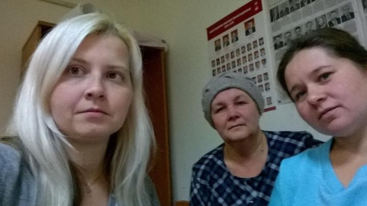 «К нам приезжала скорая»: шестой день в Перми голодают обманутые дольщицы и пайщицы
