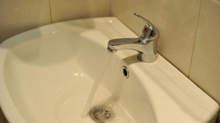В Тюмени из-за коммунальной аварии без воды остались 124 дома