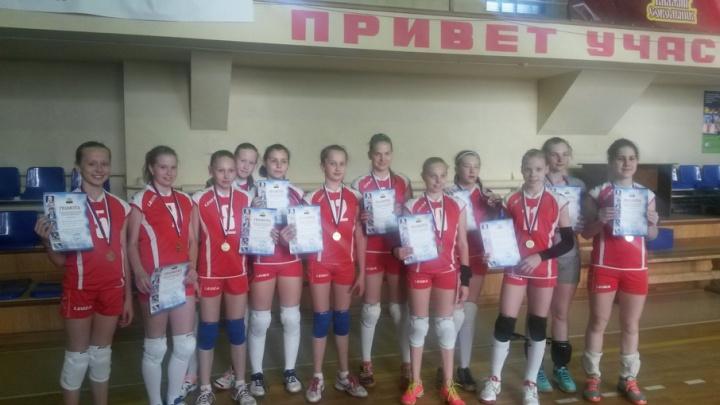 Юные челябинские волейболистки взяли бронзу на первенстве России