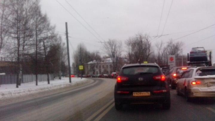 Рекордная пробка: из-за снегопада в Ярославле образовался 12-километровый затор
