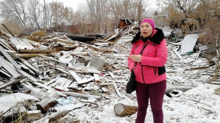 В Волгограде снесли дом, пока его хозяева ходили в гости к маме