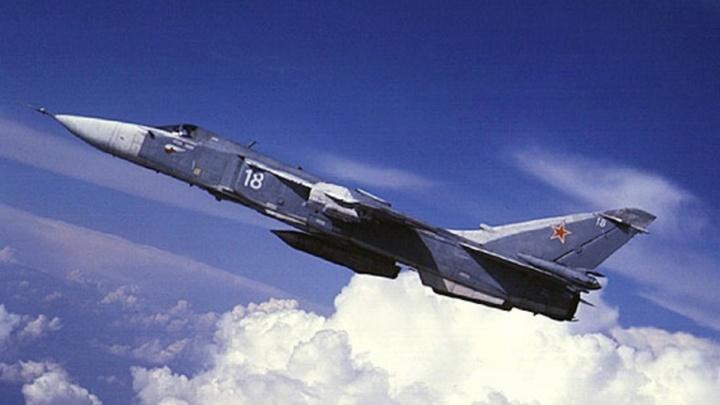 В небе Волгоградской области идут учения военных летчиков