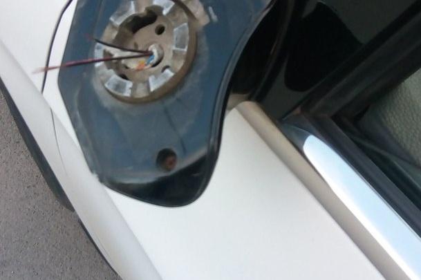 Подросток под спайсом испортил машину на Чкаловском