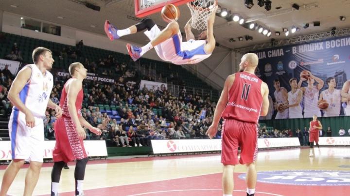 Баскетбольный клуб «Самара» разгромил гостей из Москвы