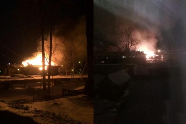 По данным регионального ГУ МЧС, при пожаре 4 апреля никто не пострадал. Само здание практически сгорело: поврежден чердак, стены изнутри и кровля
