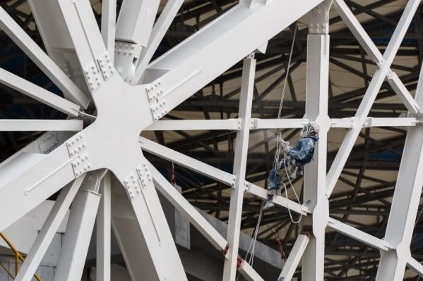 До конца декабря в Волгограде завершат покраску металлоконструкций