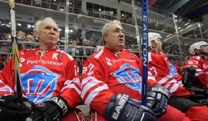 «Звезда» против «Трактора»: ветераны забросили 18 шайб в матче в честь 70-летия Харламова