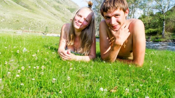 Семейная пара из Ярославля проехала всю Россию, потратив 40 тысяч рублей