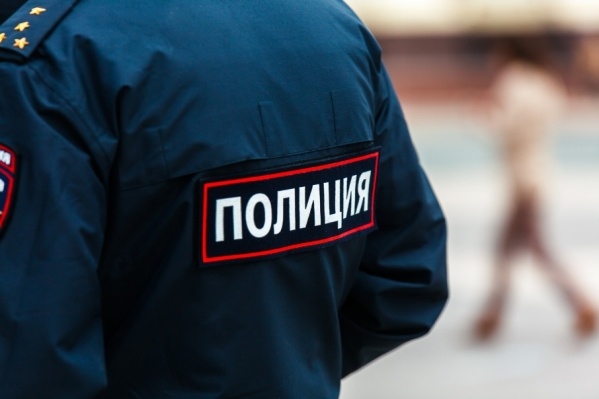 О трупе в коллекторе следователям сообщили полицейские