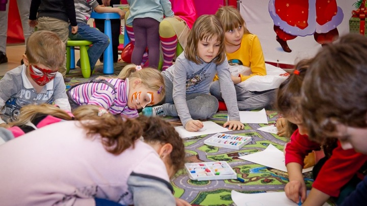 Детский праздник в «Мегамаге»: ментальная арифметика, клоуны и уроки живописи