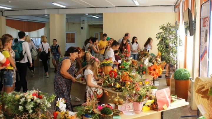 Австралийский сахарный опоссум и шиншилла: в День города школьники устроили выставку животных