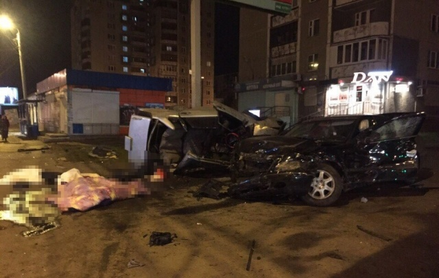 Челябинский суд начал рассматривать дело водителя Mercedes, угробившего четверых в такси