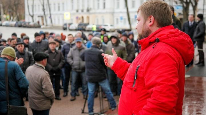 Депутатам предложили встречаться с избирателями только на окраинах