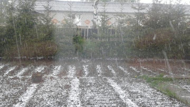 Экстренное предупреждение: на Ярославскую область идет гроза с градом