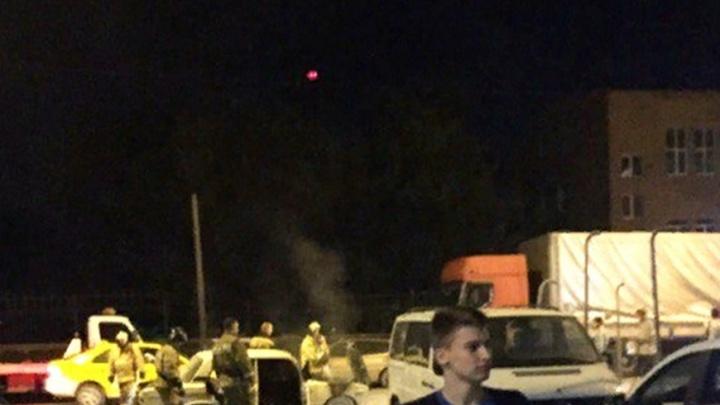 На Чкаловском прямо на дороге загорелись «Жигули»