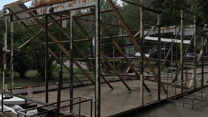 В центре Волгограда снесли десятки павильонов и остановок