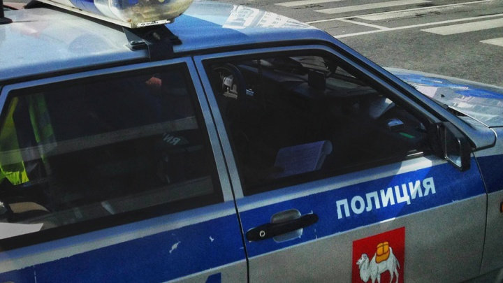 Угнали, как в кино: с парковки южноуральского ТРК украли Lexus и Toyota Highlander