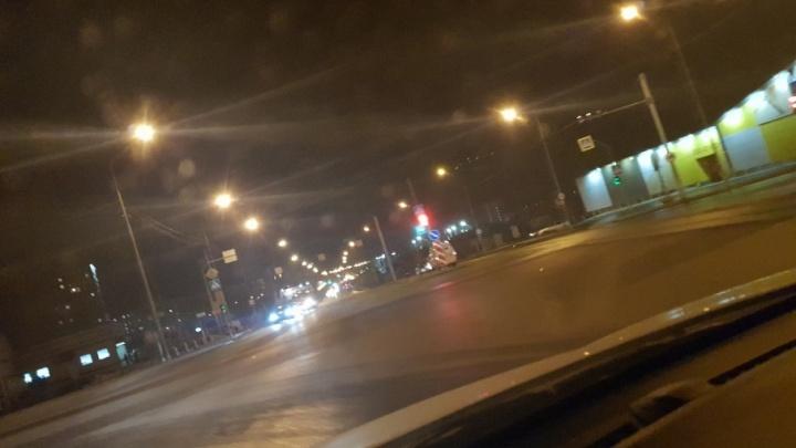 На Щербакова под колёса иномарки угодил пешеход, переходивший дорогу на красный