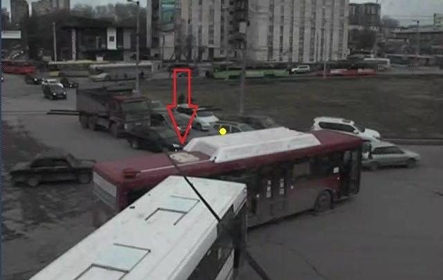 В Перми из-за столкновения автобусов у центрального рынка образовалась пробка