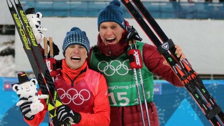 Тюменские лыжники Александр Большунов и Денис Спицов завоевали серебро на Олимпиаде в командном спринте
