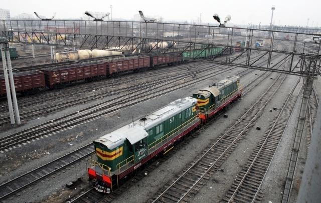 Грузовой поезд насмерть сбил юношу в наушниках под Челябинском