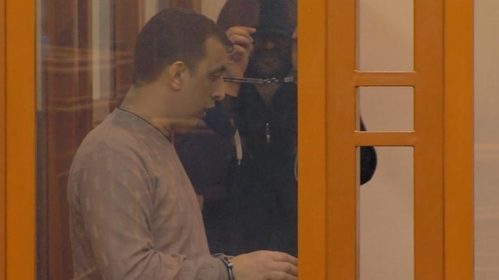 Топили героин в баке BMW: в Челябинске осудили 20 участников цыганского наркокартеля
