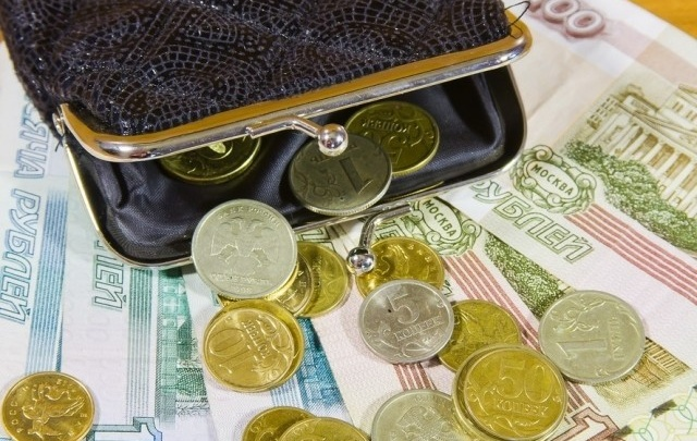 Волгоградцы продолжают богатеть второй месяц подряд