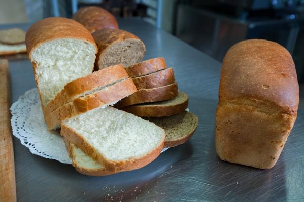 Траты на хлеб занимают третье место в расходах челябинцев на питание
