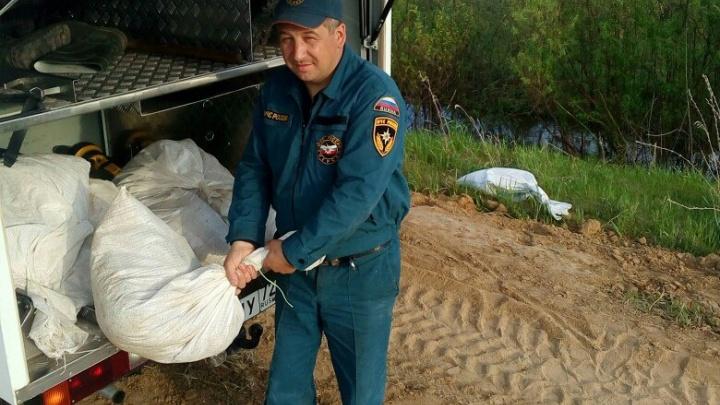 Спасатели возвращаются из подтопленного Абатского района