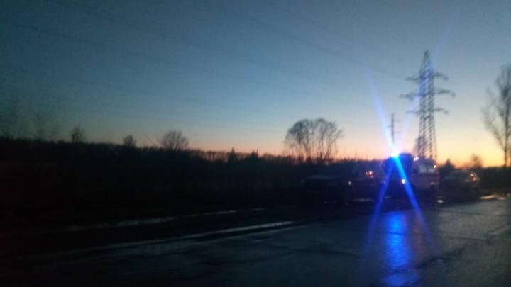 На Магистральной в Ярославле сбили пешехода: пострадавшего увезли в реанимацию