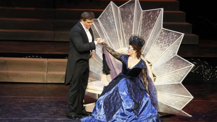 Новогодний колорит от короля вальсов: оперетта «Летучая мышь» на самарской сцене