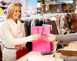 «Клюква» дарит год бесплатного обслуживания по кредитной карте