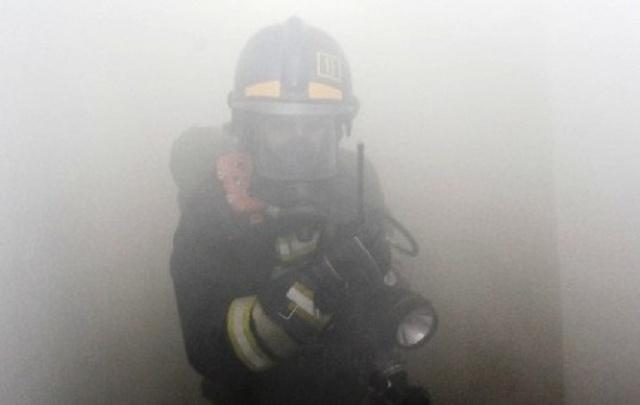 Хотела приготовить оладьи: в Челябинске из-за пожара в квартире эвакуировали 15 человек