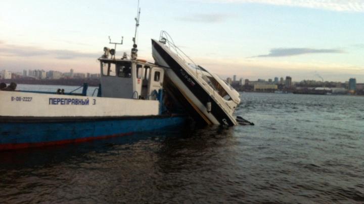 Капитанов парома и катера, которые столкнулись в Самаре, проверяют на трезвость