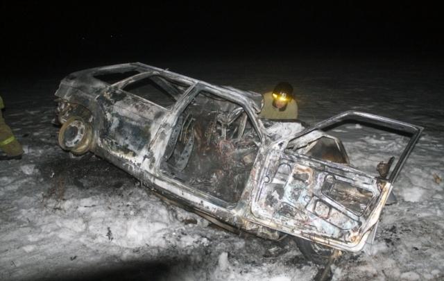 В лобовом ДТП на трассе погибли четыре человека