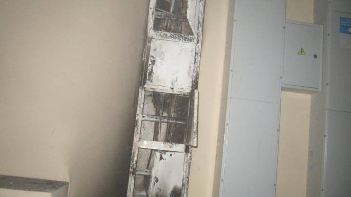 В Тобольске ночью подожгли три многоэтажки: подозреваемого поймали по горячим следам