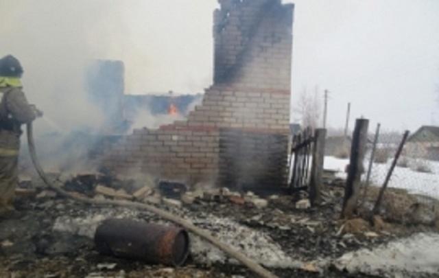 Под Ярославлем мужчина сгорел вместе с домом
