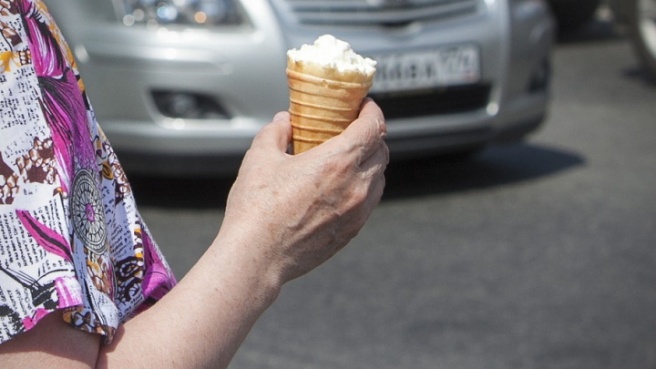 Мороженое: опасно есть в жару или можно поумнеть, если съесть на завтрак